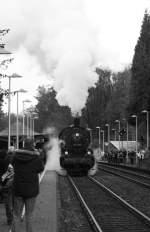 BR 38/36667/die-38-2267-hier-bei-der-einfahrt Die 38-2267 hier bei der Einfahrt in Solingen Schaberg am 25.10.09