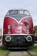 br-220-221-v-200-west/36798/wirtschaftswunderlok-v-200-017-der-ige Wirtschaftswunderlok: V 200 017 der IGE, was für ein Profil... (Augsburg Bahnpark, 25.10.2009).