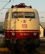 BR 103/41062/103-184-8-in-der-abendl-sommersonne 103 184-8 in der abendl. Sommersonne im Aug.09