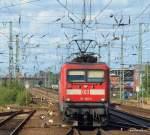 BR 112/40702/112-168-0-rollt-am-220809-mit 112 168-0 rollt am 22.08.09 mit dem RE 21027 aus Kiel Hbf in Neumünster auf Gleis 6 in den Bahnhof und wird nach einen kurzem Halt die Fahrt Richtung Hamburg Hbf fortsetzen.