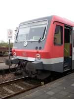 br-628-----928/37571/928-573-wartet-an-diesen-tag 928 573 wartet an diesen Tag wegen der Baustelle etwas länger im Bahnhof. (05.10.2009)