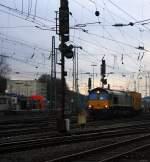 Crossrail/172322/die-class-66-pb14-von-railtraxx Die Class 66 PB14 von Railtraxx BVBA fährt mit einem P&O Ferrymasters Containerzug von Aachen-West nach Muizen(B) bei Sonne und Wolken. 18.12.2011